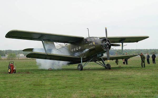 Ан-2 (Кукурузник): характеристики самолета, расход горючего, дальность, описание салона и кабины