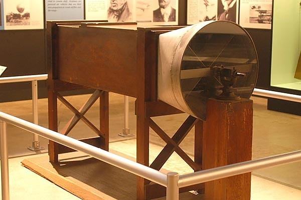 Изобретение первого самолета: кто изобрел - Братья Райт, Можайский Александр Федорович, Альберто Сантос-Дюмон