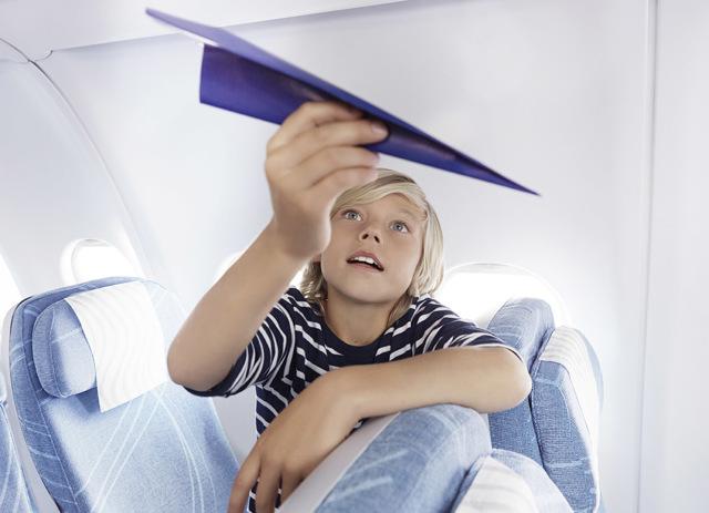 Сопровождение детей: с какого возраста несовершеннолетний ребенок может летать на самолете без взрослых