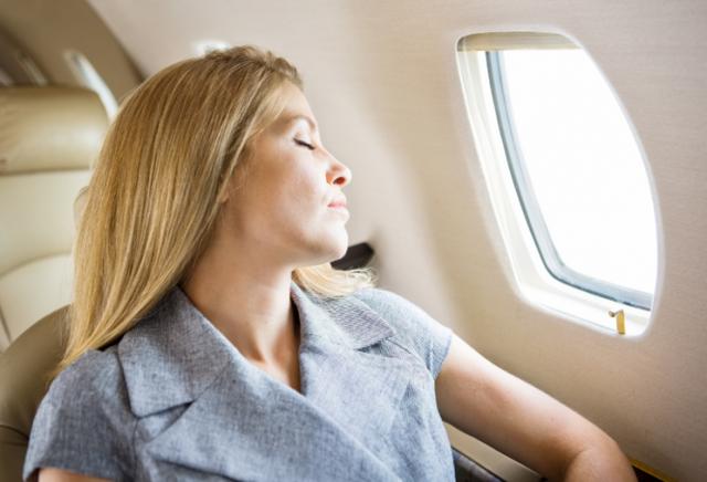 Холод в самолете: причины поддержания низкой температуры на борту