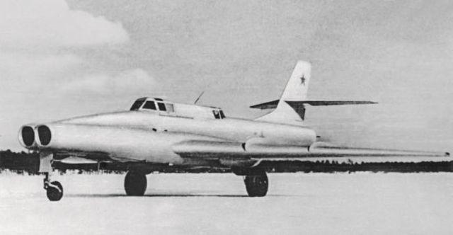 Экспериментальный штурмовик Ил-102 - samoletos.ru