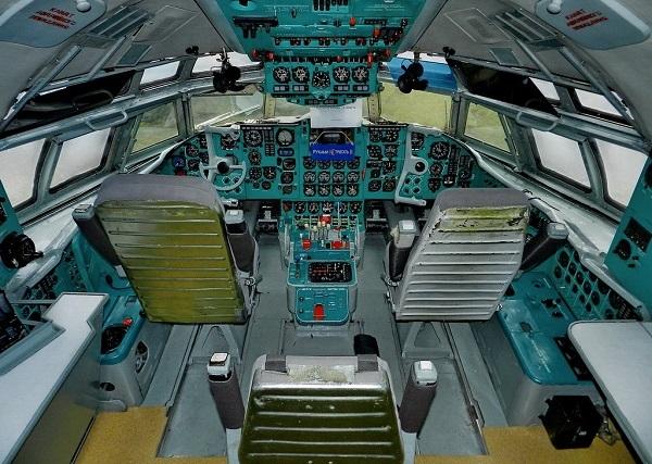 Самолет Ил-62: характеристики, салон, кабина и история создания