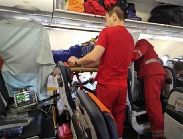 Как перевезти инвалида в самолете: правила перевозки, сопровождение в аэропорту