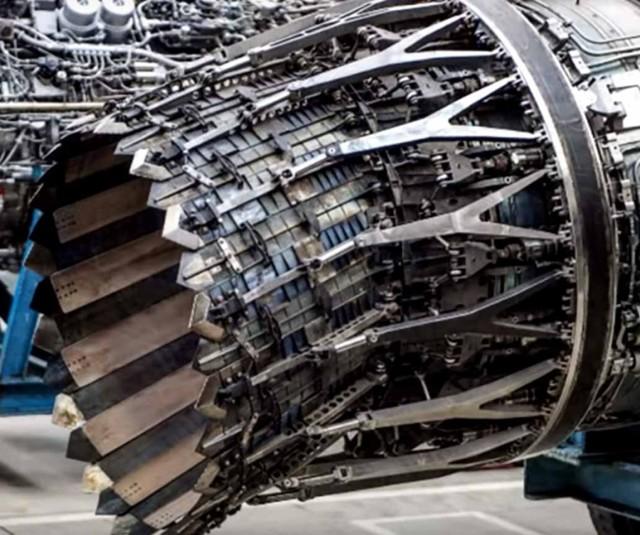 Су-57 и Су-35 сравнение: характерные черты самолетов, в чем сходства, различия, какой лучше