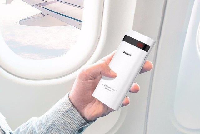Можно ли в самолет брать аккумулятор для зарядки телефона: есть ли розетки, допустимо ли провозить зарядное аккумуляторное устройство в ручной клади, как зарядить ноутбук